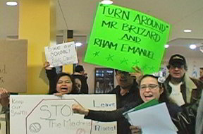 Teachers and parents from targeted Casals school at the teach-in. Photo:Labor Beat.