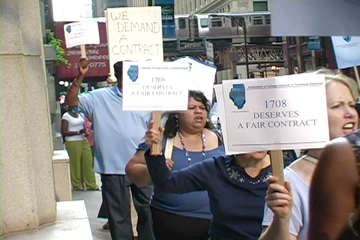 1708 and supporters picket City Colleges of Chicago in downtown Loop. Photo: Labor Beat.