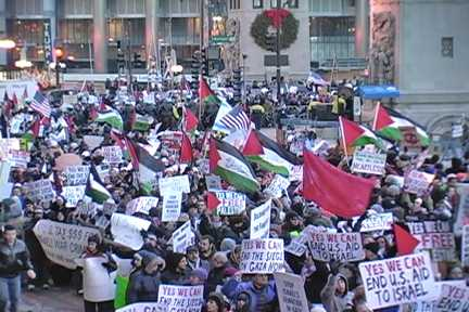 Scene from mass rally in front of Chicago's Israeli Consulate, on Jan. 2, 2009. Photo: Labor Beat