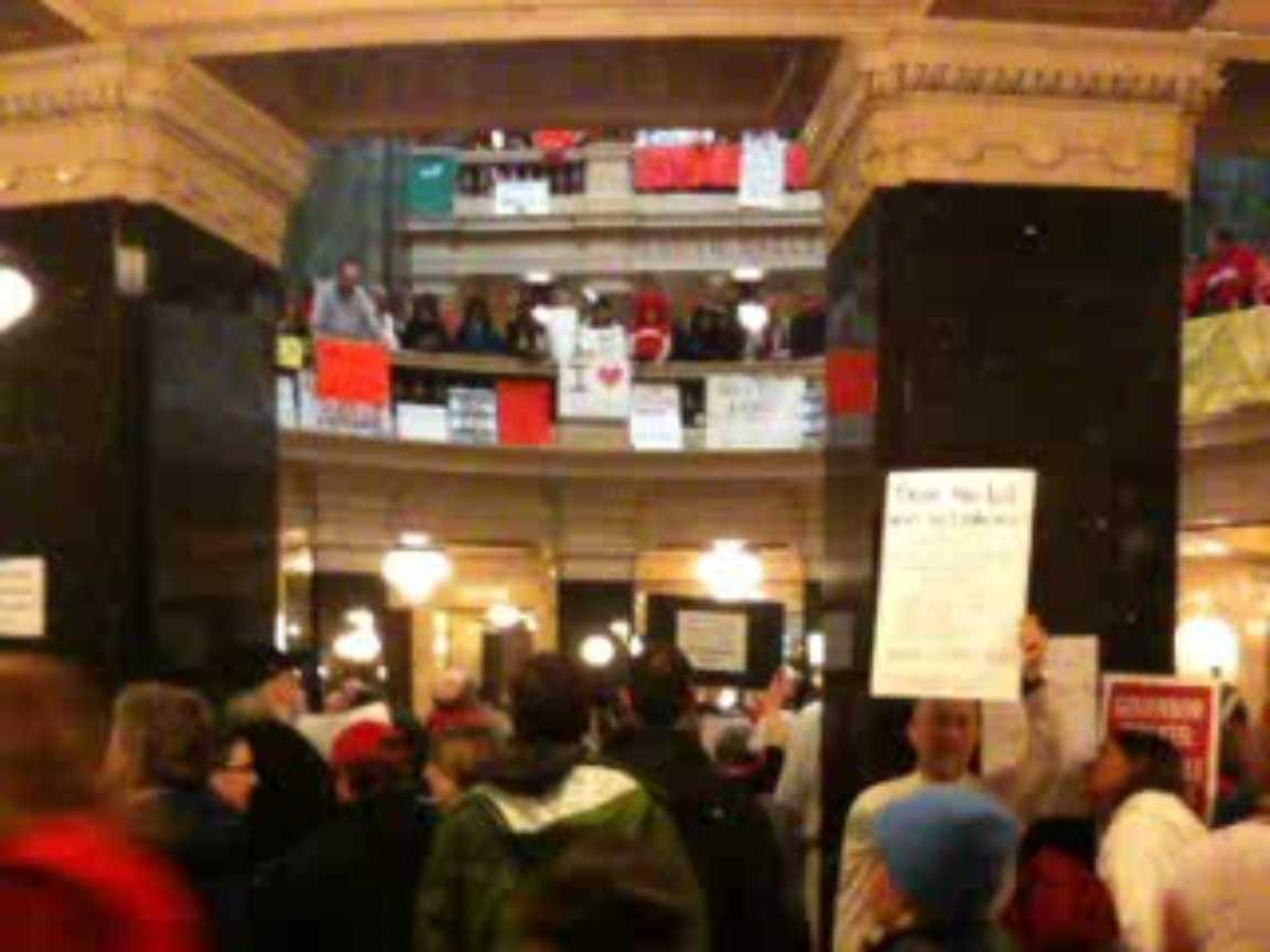 Inside the Wisconsin state capital. Photo: Labor Beat.
