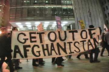Dec. 2, 2009 anti-Afghanistan upsurge protest in Chicago. Photo: Labor Beat.