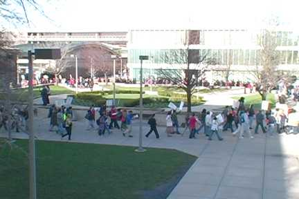 Large GEO demo at UIC adds pressure on administration. Photo: Labor Beat.