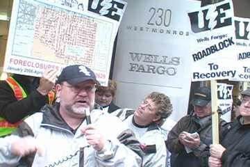Rally at Wells Fargo Bank, Chicago. Photo: Labor Beat
